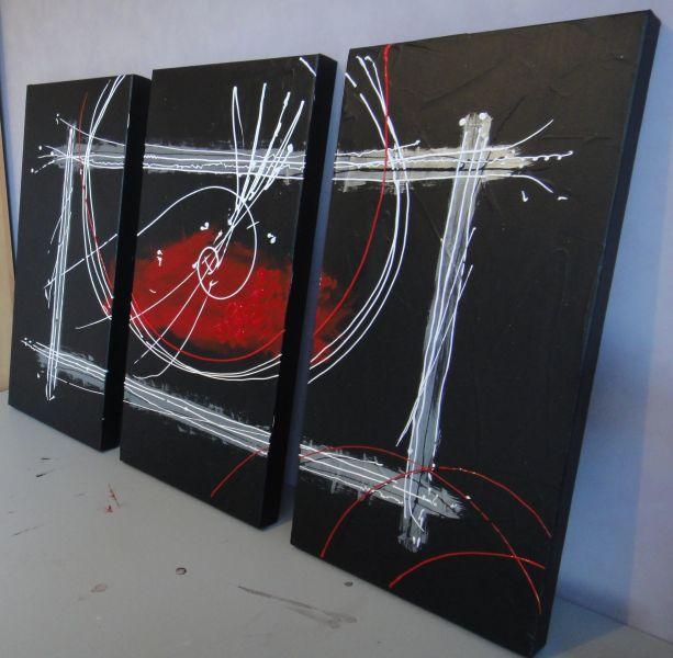 tableaux home deco tableau tryptique noir rouge et argent. Black Bedroom Furniture Sets. Home Design Ideas